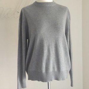 H&M   Grey crew neck solid sweater